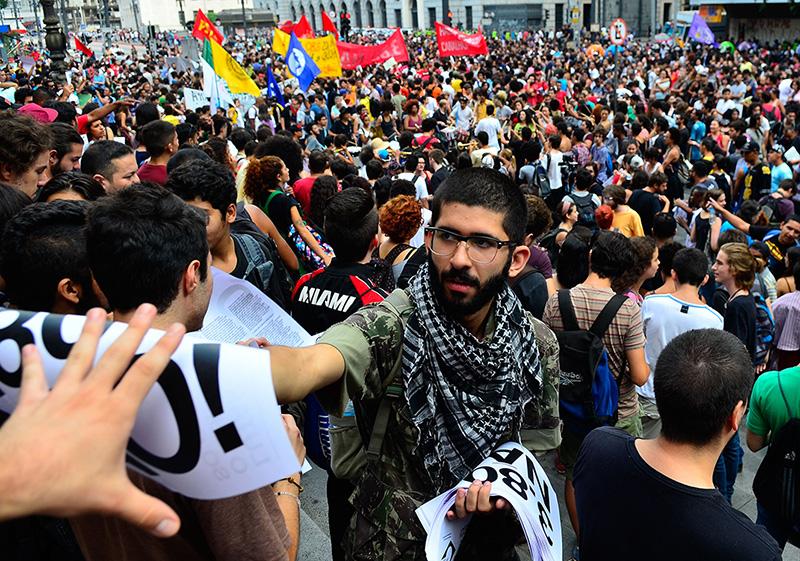 São Paulo - Movimento Passe Livre protesta contra aumento de tarifas do transporte (Rovena Rosa/Agência Brasil)