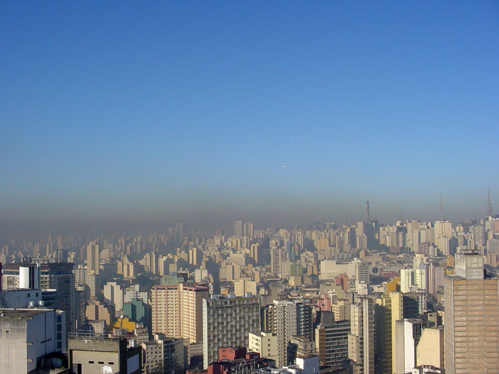 Pollution over São Paulo city in winter.